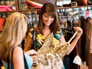 Выбор одежды для девушек с пышными формами