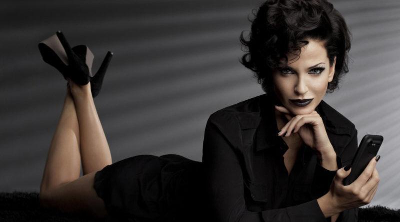 Стиль вамп в одежде из женского гардероба