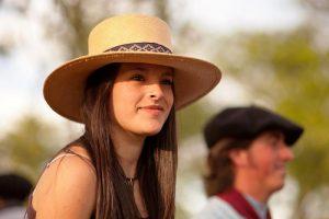 """Шляпа для пляжа """"Гаучо"""" больше подходит молодым девушкам"""