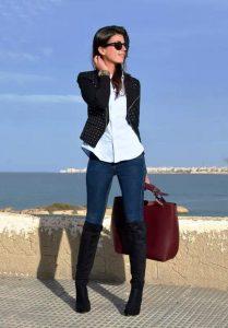 Ботфорты можно комбинировать с джинсами в традиционных тонах