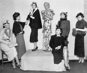 Стиль одежды 30 годов состоял из множества мелких деталей