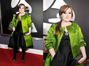 Адель стала экспериментировать со стилем, выбирая одежду в сочных и насыщенных цветах