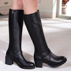 Обувь в английском стиле должна быть без лишних деталей и декора
