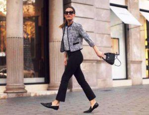 Узкие брюки и туфли-лодочки - отличное сочетание с вязаным  жакетом в стиле Шанель