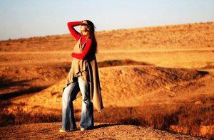 Для жилета в стиле хиппи отсутствуют правила, главное натуральность тканей