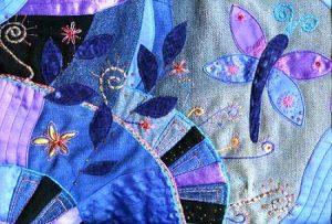 Стиль пэчворк одобряет любые смелые решения, а эффект разноструктурной мозаики делает весь образ ярким