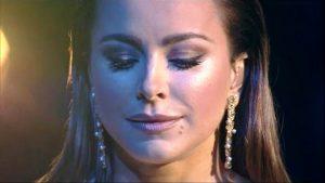 Иногда в макияже Ани Лорак использует накладные ресницы