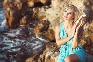 Главная и отличительная черта греческого стиля, это природность и даже этничность