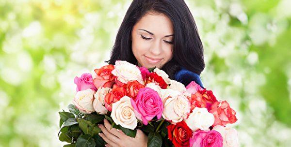 Королева цветов роза – красота, искренность и признание.