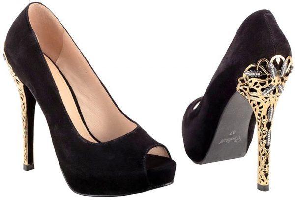 Вечерние туфли должны быть в гардеробе у каждой женщины