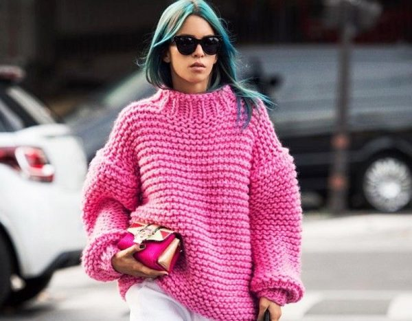 В толстом вязаном свитере вы всегда будете стильно выглядеть