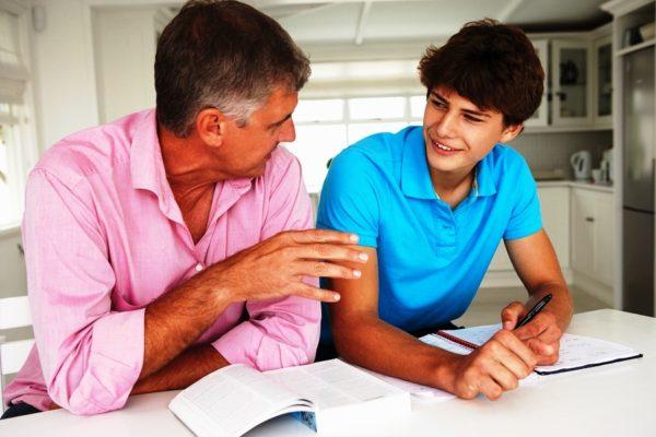 Разговаривайте с подростком, как со взрослым, проявите максимум терпения и уважения к нему