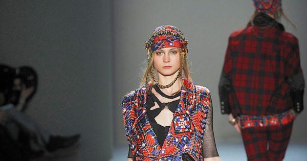 Образ Катрин Денев вдохновляет многих дизайнеров