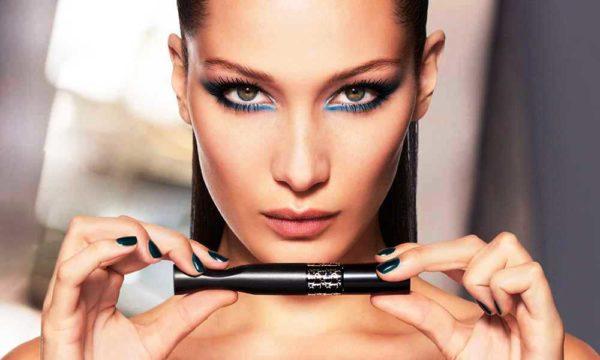 Цветные стрелки в макияже от Christian Dior
