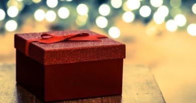 Как выбрать красивый и изысканный подарок для девушки