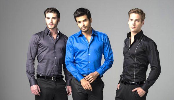 Для мужчин спортивного телосложения подойдут приталенные рубашки ярких  расцветок 448d4b24813