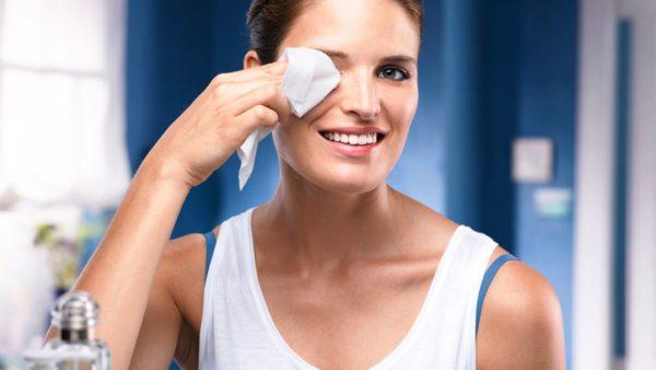 Снятие макияжа перед сном обязательно!