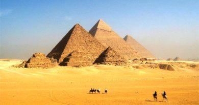Египетские пирамиды Гизы – единственная древность из Чудес Света
