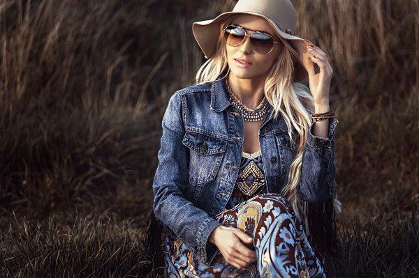 Джинсовая куртка на весну для женщины