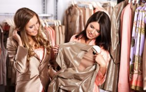 Одеваться стильно и недорого нужно в одежду только из натуральных материалов