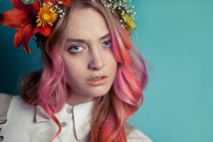 Покраска волос – отличный способ обновить образ