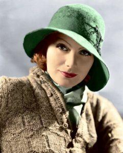 Шляпки и шарфики - отличительные аксессуары стиля Греты Гарбо