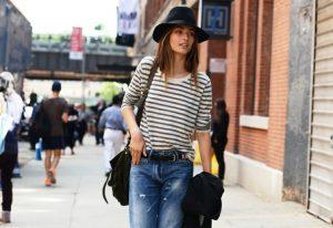 Стиль гранж отлично дополняют такие аксессуары, как шляпы и сумки