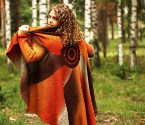 Вязаный кардиган в стиле бохо — стильная вещь, которую обязана иметь в гардеробе каждая модница