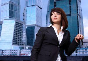 Управленческий деловой стиль одежды является основой для женщин, занимающих руководящую должность