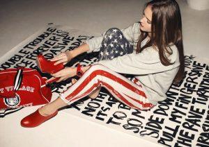 На одежде в американском стиле актуально изображение американского флага