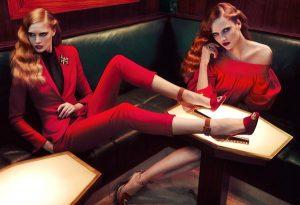 Один из  обязательных цветов в драматическом гардеробе — красный, так как драма — это всегда огонь и страсть