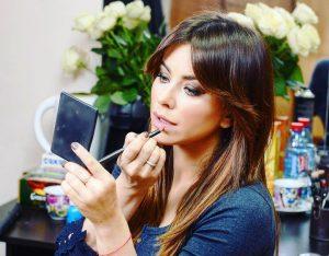 В повседневном макияже Ани Лорак подбирает губную помаду естественных оттенков