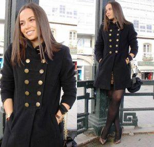 Основная особенность пальто, отвечающих милитари стилю это декорированные элементы