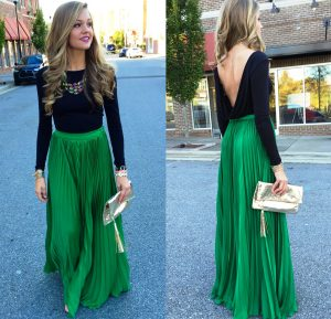 В правильных комбинациях длинная юбка плиссе актуальна для любых событий
