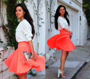 Любая модель плиссированной юбки должна хорошо сидеть по фигуре