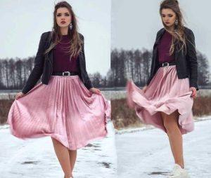 Модный образ в стиле Oversize-look - розовая плиссированная юбка отличный вариант