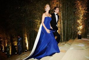 Для выхода в свет Иванка Трамп выбирает платья со шлейфом