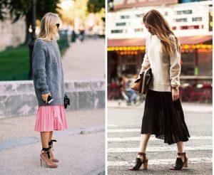Объемные свитера отлично сочетаются с плиссированной юбкой до колен в кежуал стиле