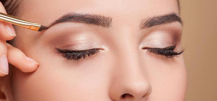 Пусть цвет бровей в макияже будет под цвет ваших волос