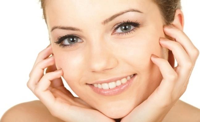 как ухаживать за лицом и очищать его от красивого макияжа