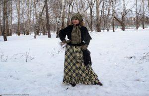 Длинная юбка с воланами и короткая шубка - то, что нужно для романтического образа