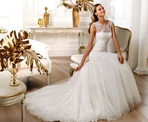 Невеста в белом платье всегда будет сказочно выглядеть