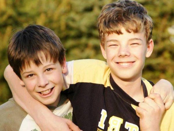 Внимательное отношение и поддержка близких помогут подростку справиться со многоми психологическими проблемами и избежать многих заболеваний, связанных с пубертатным периодом