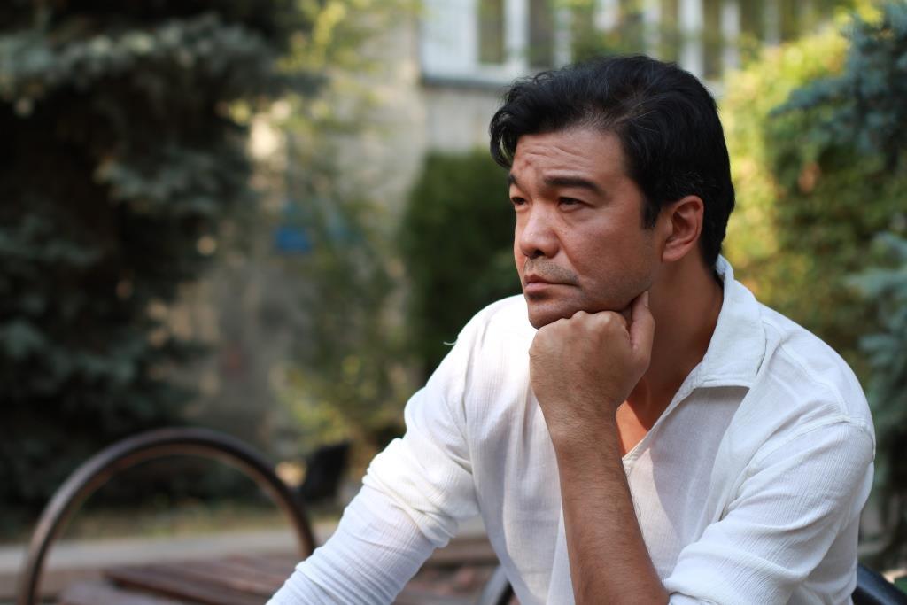 просмотр онлайн про жизни казахстанских артистов