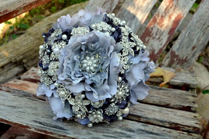 Свадебный букет из цветов и брошей своими руками, цветов