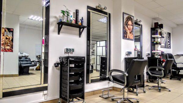 Именно такой зал в салоне красоты - мечта многих женщин, желающих открыть собственный салонный бизнес