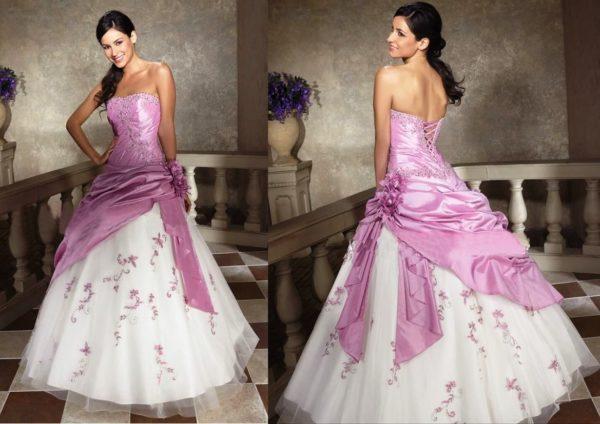 Розовый цвет в свадебном наряде сейчас на пике популярности