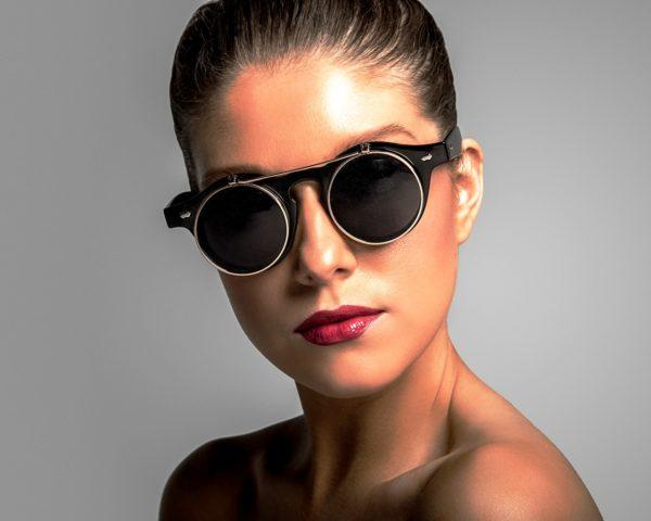 Главная деталь в очках стимпанк - выпуклые круглые линзы