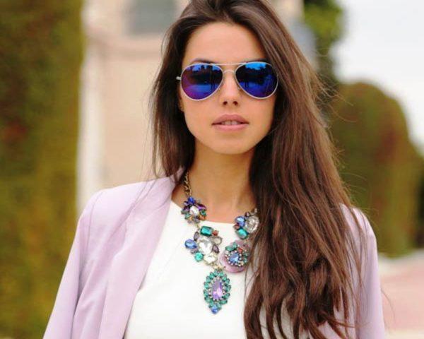 Оказалось, что на хрупких девичьих личиках эти очки смотрятся совершенно по-новому и очень даже симпатично