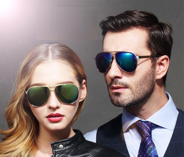 Очки-капли или авиаторы одинаково подходят и мужчинам и женщинам